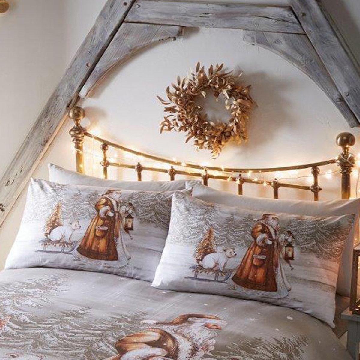 Double Twilight Santa Christmas Duvet Cover and 2 Pillowcase Set Beige